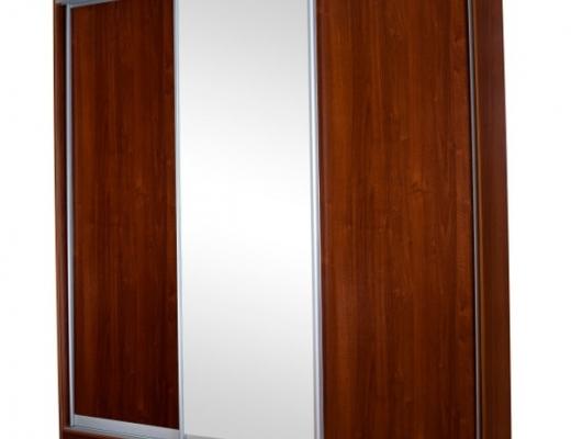 Трёхстворчатый шкаф купе с зеркалом, подсветкой и карнизом
