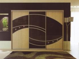 Шкаф купе ЛДСП и стекло тонированное чёрной плёнкой + фьюзинг